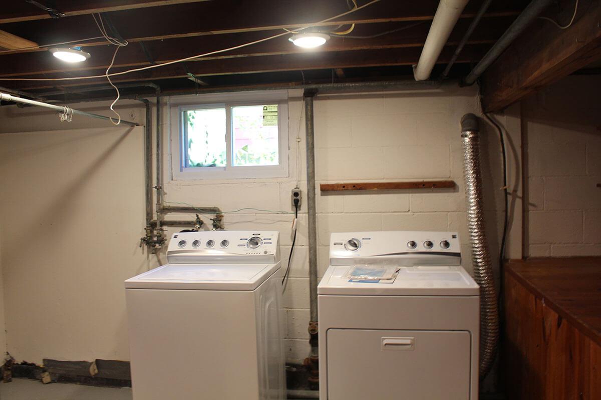 S Swain home - laundry area