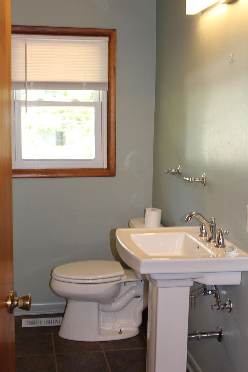 S Swain home - bathroom 2